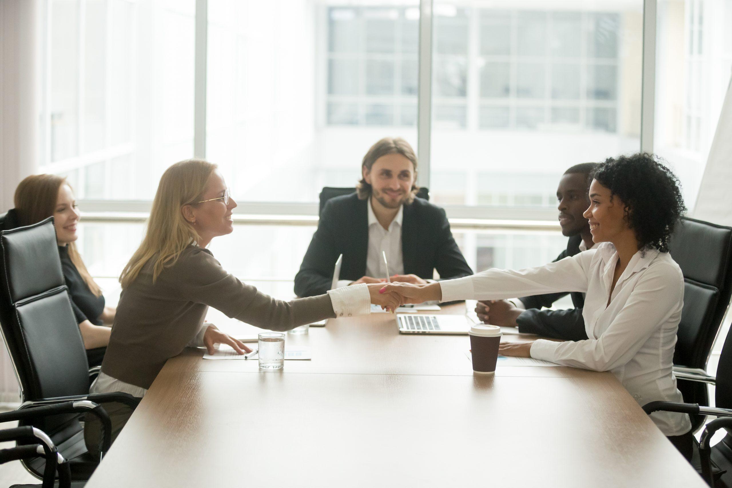 Hacemos acuerdos para invertir en empresas de primer nivel
